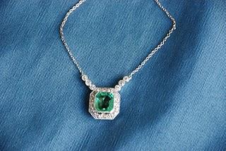Diamond and emerald antique necklace