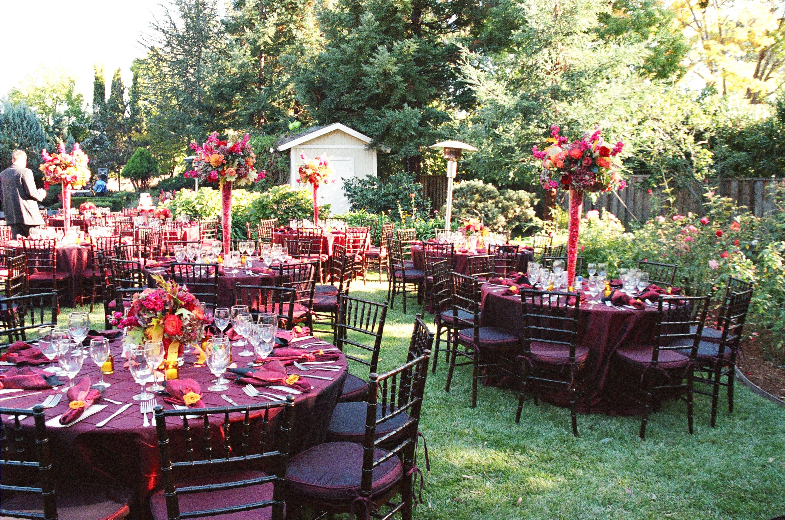 RingSpotters An Elegant Backyard Wedding