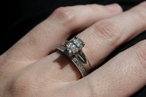 Engagement Ring Oval Setting