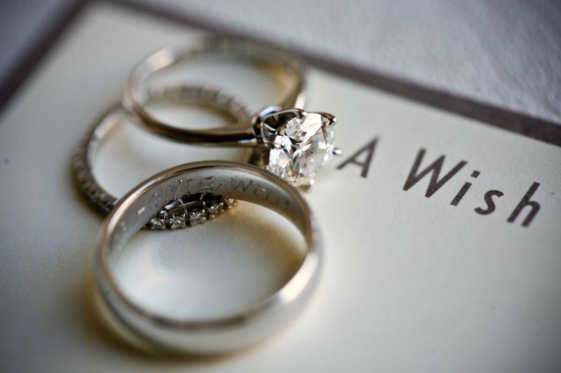 Round Brilliant Engagement Ring + Infinity Wedding Band
