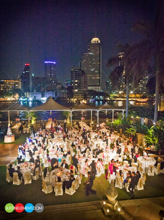 RingSpotters: A Bangkok Wedding