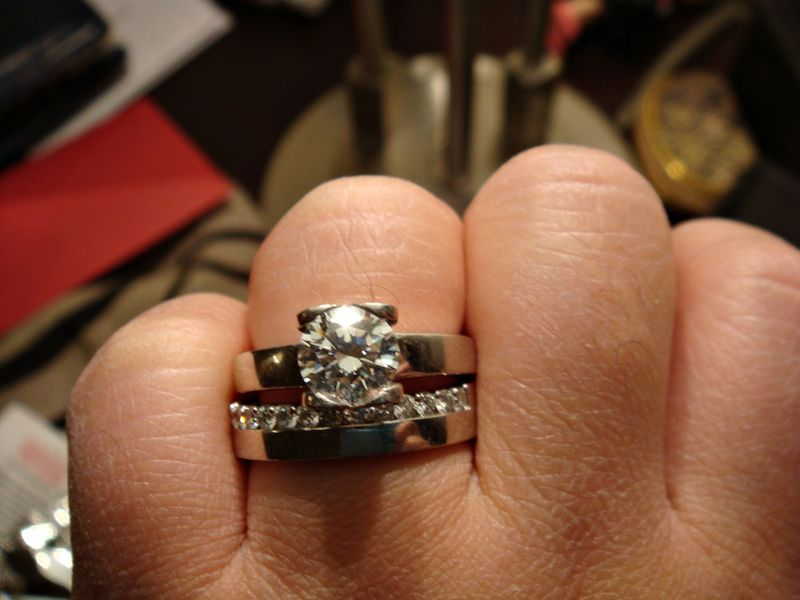 Round Brilliant Engagement Ring with Heart Shaped Prongs + Wedding Band